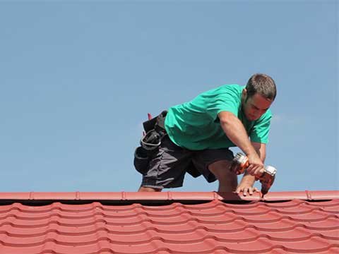 Metal roofing installers - work for us.